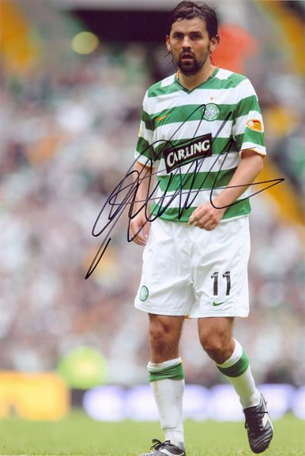 Paul Hartley, Glasgow Celtic, signed 12x8 inch photo.